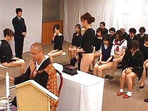Garotas Asiáticas Ir Para Igreja Meia Nua Porn