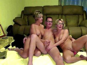 Sexo A Três Com A Mulher Excitada E A Irmã Porn