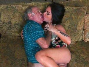 A Velha Dupla Penetração E Homens Ricos, Por Isso, Recorremos A Um Anúncio De Papel, Porn
