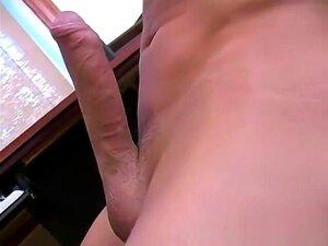 Homenzinho Gay Jeitoso A Despir E A Masturbar Parte 3, Porn