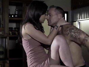 SweetSinner-Dilf Fode A Sua Pequena Enteada Marota Porn