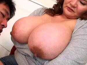 Chupando Peitos Asiáticos Porn