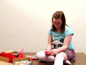 Meninas No Oeste - Plump Cutie Amador Brinquedos A Cona Peluda Porn