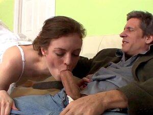 A Vadia Da Anna Adolescente Não Presta E Fode Um Velho Idiota. Porn