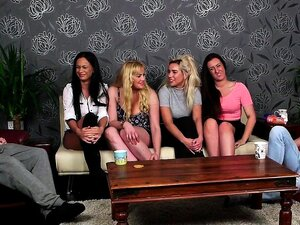 As Mulheres Britânicas Humilham Os Sub-grupos. Porn