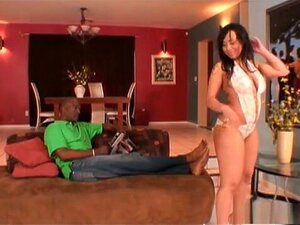 A Estrela Porno Exótica Tia Cherry Na Melhor Cena De Sexo Facial E Mamas Grandes. A Tia Cherry é Uma Batedeira De Chocolate Branco, Que Se Orgulha De Si Mesma Porque,ela é Capaz De Fazer Uma Separação Enquanto Usa Saltos Altos E Isso Deixou O Seu Homem Tã Porn