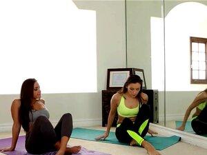 Celeste Star, Abigail Mac Na Cena De Emergência De Yoga, Celeste é Um Praticante De Ioga Perito, Mas Não é Dela Só Valioso Atributo. Das Aulas Particulares São O Assunto Da Cidade, E é Importante Para Clederson Ter Aquele Em Uma Experiência. Como A Lição  Porn