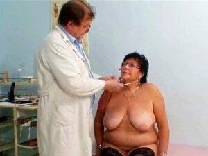 Exame De Ginecologia Para A Mulher Mais Velha. Exame De Ginecologia Para A Mulher Mais Velha De Busty Porn