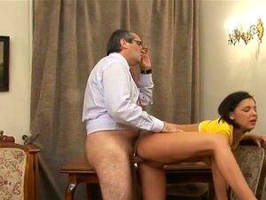 Uma Estudante Loura Sensual E Traiçoeira Faz Um Broche à Professora E Hoje, A Missy Sexy Perdeu A Virgindade Há Pouco Tempo E Esqueceu-se Completamente De Estudar. Ela Namoriscou Com Rapazes, Fodeu Com Eles E Quando Chegou A Hora Dos Exames, A Pobre Rapar Porn