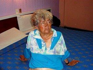 Avó Latina Estas Avós Estão A Posar Para A Câmara Porn