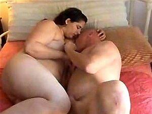 Teen Jovem Cubículo Se Divertir Com Um Cara Adulto! Porn
