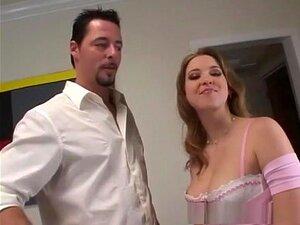 A Melhor Estrela Porno, Sunny Lane, Loira Incrível, Clip De Sexo Facial. As Bochechas Grandes Do Rabo Da Sunny Lane Ficam Em Exposição Completa Aqui, E Isso é Muito Traseiro Para Acompanhar O Seu Corpo Apertado E Pequeno.  A Sunny Tem Muitas Maneiras De A Porn
