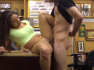 A Latina E A Boazona Lilly Hall Fodem-se Porn