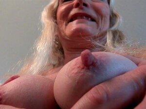 A Velha Rata Da Avó Claire Precisa De Atenção. Porn