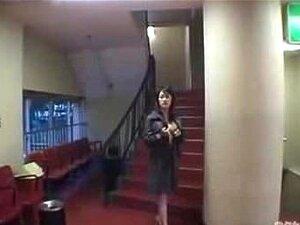 Mulher Japonesa Que Expõe Em Cinema Porn