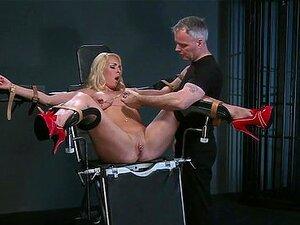 Peituda Loira Sub Amarrada Na Cadeira Do Ginecologista Porn