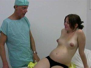 Médico Com Tesão Obtém Uma Punheta De Seu Paciente Grávida Porn