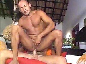 Casal Swinger Brasileiro Fazendo Menage Liberal Com BI Masculino Porn