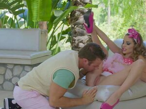 Twistys Hard-Naughty Bailarina Kimmy Granger é Espancado Porn