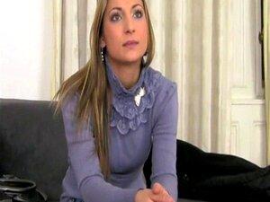 Mulher Boazona A Despir-se Com Um Brinquedo Porn
