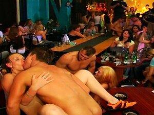 Quentes Amadores Jovens Fodidos No Bar Público Porn