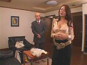 Meiko Arai In Scandel. Meiko Arai é Uma Elite Social, Casada Com Um Velho Muito Rico, Mas Ela Tem Um Fetiche Secreto. Ela Ama A Adúltera E Ama Ser Mimada Com Sexo Em Grupo Atrás De Seus Maridos De Volta Mesmo Ao Ponto De Atrair O Motorista.Olha Para O Cor Porn