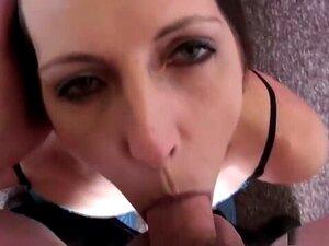 A Melhor Actriz Pornográfica, Marie Madison, Com Garganta Funda Excitada, Vídeo Pornográfico Facial. Como Você Vê Essa Cena Onde O Natural Boobed, Morena, Marie Madison é Para Baixo Em Seus Joelhos, Mais Uma Vez, No Ponto De VISTA Do Modo, Olhando Para Se Porn