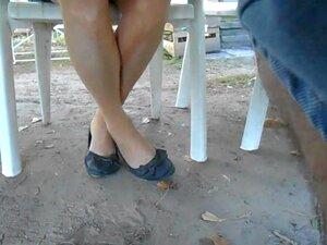 Sous Ma Mesa Ses Cuisses En Bas Et Ses Ballerines, Oui Elle Avait Des Beges Dim-up Filme Pt Aveugle: Pas Facile Porn