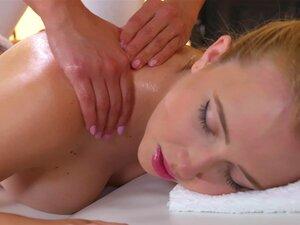 Sexo Lésbico Na Mesa De Massagens Com Samantha Rone & Foxxi Black-Samantha Rone, Raposa Negra Porn