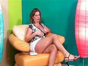 Mulher Madura Sexy De Salto Alto Ama Porn