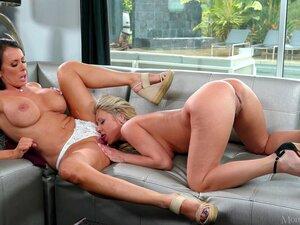 Depois De Dedilhado Katie Morgan Quer Alcançar O Orgasmo Com Sua Menina-Katie Morgan, Reagan Foxx Porn