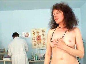 Extremo De Buceta Cabeluda Karla Visita Um Doc Porn
