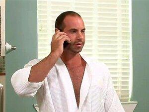 Um Tipo Casado é Fodido Por Um Gay Na Casa De Banho. Porn