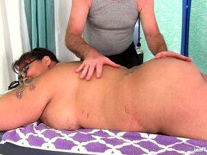 Miss Lingling Recebe Uma Massagem Sexual Porn
