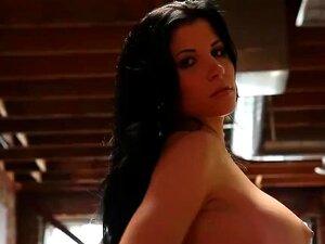 Rebeca Linares Adora Ser Tratada. Porn
