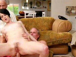 A Filha Do Pai Fez Exercício Xxx Frannkie Vai Pelo Hersey Abaixo. Porn