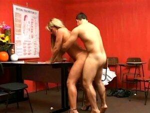 Compilação De Tranny Big Tit 1 Porn