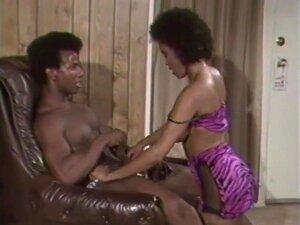 Clássica Negra De Rabo Grande, Porn