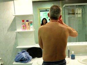 Grande Breasted Jovem Novato Bella Diamante Leva Pau Velho Cum No Rosto Bonito Porn