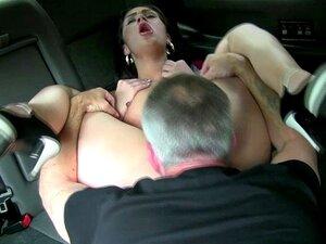 Emo Kinky Slut Baba Em Cima De Pau E é Um Lixo. Emo Kinky Slut Baba Em Cima De Pau E Suga Bolas Usando Seu Piercing Na Língua Porn