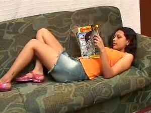 Menina Brasileira Cheirando Chulé Velho Porn