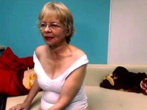 Linda De 65 Anos, Piscando Na Webcam Em Casa Porn