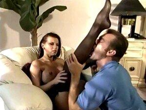Morena Em Nylons Pura E Uma Cinta-liga Porn