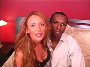 MILF E BBC. O Mitchel Bombeia Uma Grande Quantidade De Esperma Da BBC Para A Rata Molhada Da Janet. Ele Fica Duro E Continua A Fodê-la Em Muitas Posições. Ela Ordenha-lhe A Pila Uma Segunda Vez Com Uma Punheta. Porn