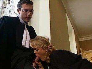 Porra De Juízes Alemã Entre As Audiências Porn