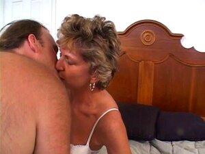 Uma Mulher Mais Velha Madura Com Uma Rata Rapada Adora Uma Pila Enfiada No Rabo Porn