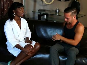NuruMassage Ebony Babe Ana Foxxx Dá Massagem Erótica Porn