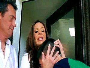 A Mãe Rouba O Namorado Com O Jantar De Acção De Graças. Porn
