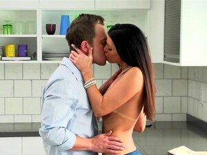 Amor De HD - Milf Mostra Seu Tanlines Porn