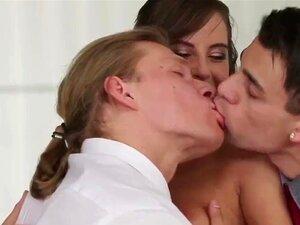 Trio De Escritório Bissexual Porn